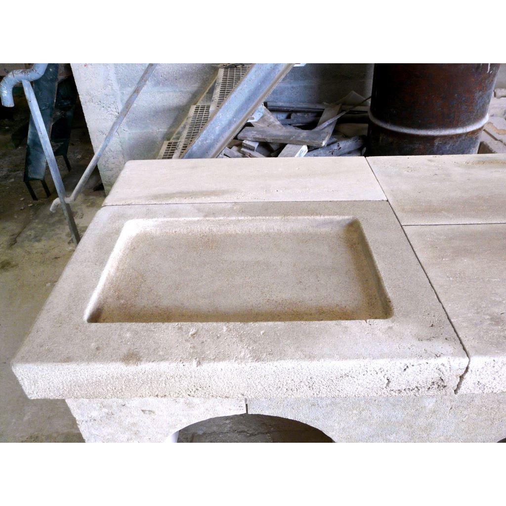 Materiaux anciens realisation evier en pierre campagnard for Evier en pierre exterieur